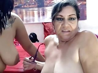 Mom And Not Daughter-in-law Share Squirt Facials And Fuckbox Kneads