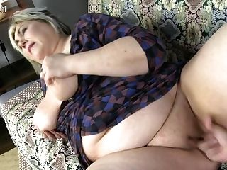 Chubby Big Jugged Housewife Sucking In Point Of View Style - Maturenl