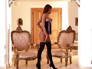 Exotic Beauty Princess Katia Dé Lys In Stockings And Lil'