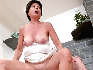 Hot Matures Senses Youthful Again Thanks To Her Cousin