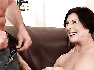 Margo T. Likes Boy's Meaty Erect Meat Pole In Her Sweet Mouth