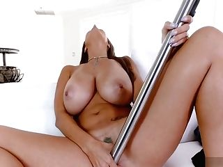 Getting Herself Off With A Vacuum