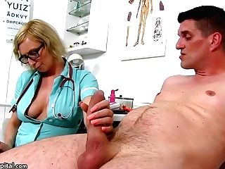 Dirty Minded, Matures Nurse Is Using An Chance To Suck Dick, Even While At Work