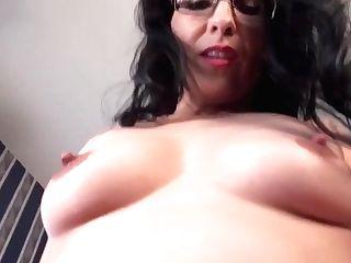 Yankee Mummy Jacqueline Frigs Her Gorgeous Poon