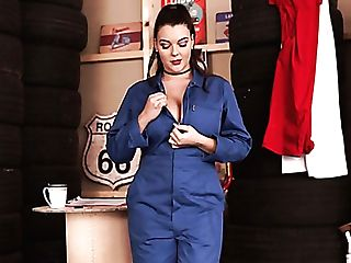 Hot Like Fire Mechanic Cherry Redden Flashes Her Gorgeous Tasty Boobies