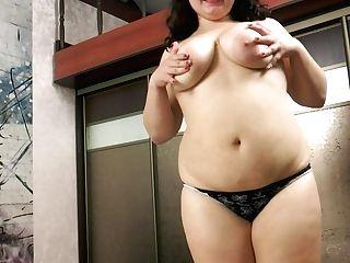 Buxom Bbw Kira 1