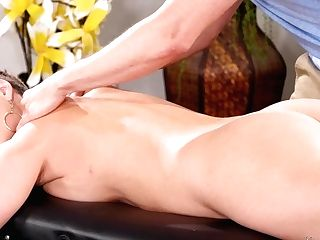 My Fresh Chief Flashed Her Big Butt - Ryan Keely