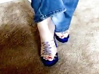 Sandy-haired Gilf Taunts In Jeans