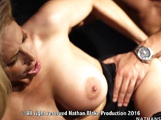 Vittoria Risi Gives Her Rump To Her Paramour June Lucho