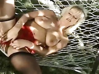 Amazing Natural Tits On Chesty Mummy Lizzy