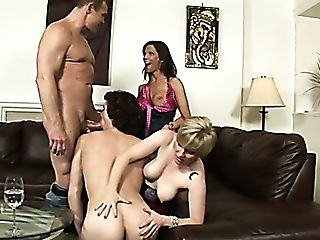 Two Mind Deep-throating Bitches Kelly Taylor And Chance Caldwell Are Engaged In Group 4some Hook-up