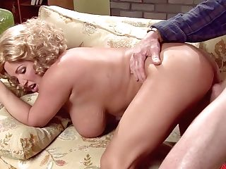 Juggy Blonde Brooke Banner Takes Jizz Flows On Her Big Mounds After A Steamy Hook-up