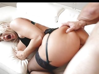 Tantalizing Cougar London Sea Has An Affair With Gorgeous Youthful Stud